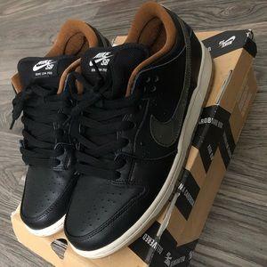 "Nike SB Dunk Low ""Black Rain"""